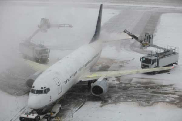 airplane-deicing